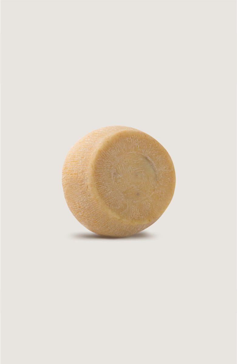 formaggio-stagionato-caseificio-tarantino
